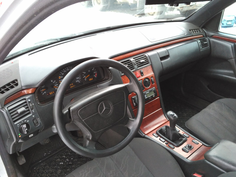 Мерседес е200 мкпп 1999 года выпуска