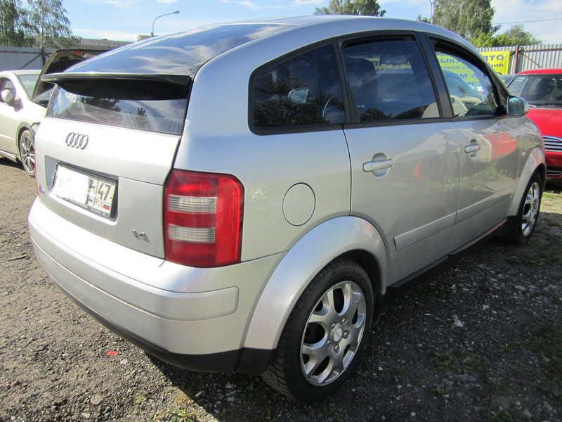 Ауди А2 1,4 л МКПП 2000 года выпуска